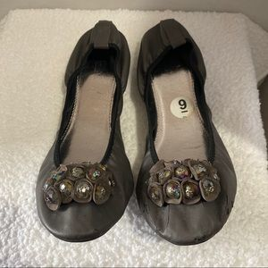 WANTED  WOMEN'S EMBELLISHED BALLERINA FLATS